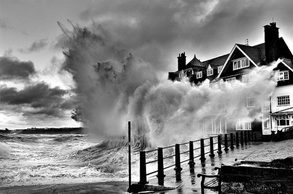 big-wave-at-sandsend-north-yorkshire-england-by-keith-foster1