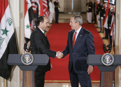 bush_al-maliki_handshake