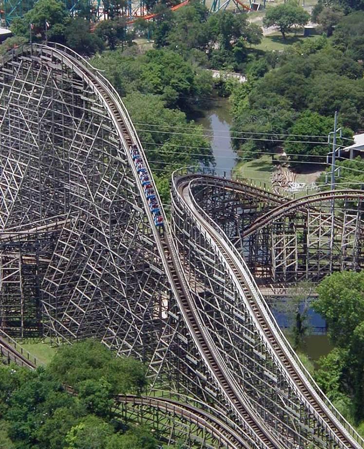 wooden_roller_coaster