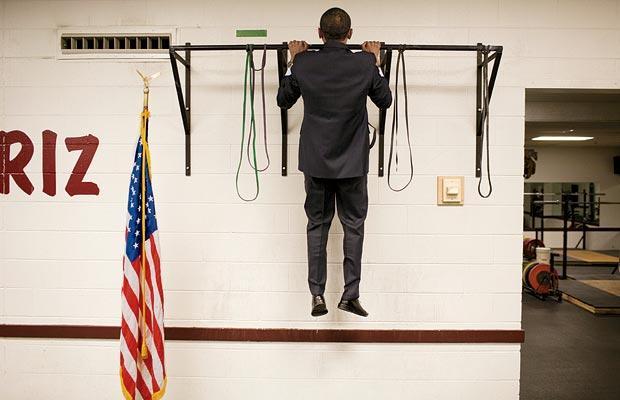 obama-doing-pull-ups