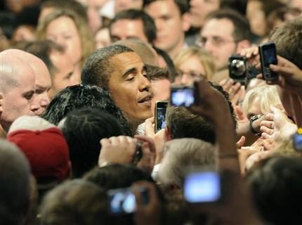 Obama works the crowd